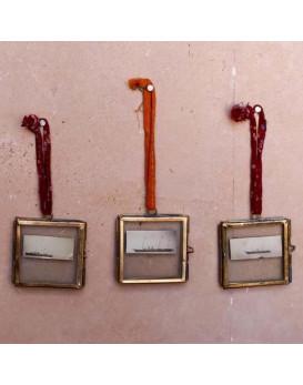 Mini cadres en laiton et zinc verre Nkuku