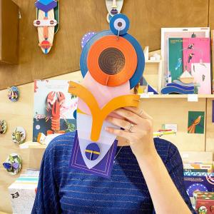 La nouvelle collection de masques en carton recyclé est arrivée.  Aux côtés des trois masques Brooklyn, Cosmos et Chicago, s'ajoutent de nouvelles inspirations Lamu, Capetown et Dakar.  En boutique et sur notre nouvel e-shop🙌🏻  #toulouse #masque #recycledecoration #cardboard #amsterdam