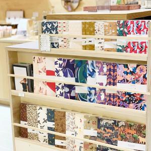|Papeterie| Les nouvelles collections de carnets arrivent petit à petit.   On espère que vous aimez les motifs💜  #carnets #madeinfrance #papeterie #boutiquecreateurs #toulouse