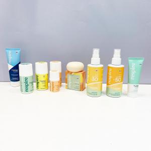 La gamme @respirenaturel s'agrandit!  👉🏻les crèmes solaires aux filtres UV minéraux protégeant contre les UVA et UVB résistants à l'eau avec 98% d'ingrédients d'origine naturelle 👉🏻le gel crème visage après-soleil pour les peaux normales à mixtes apaisant ( extrait de millepertuis), relipidant( huile d'amande douce), hydratant et soin éclat (acide hyaluronique) 👉🏻les déodorants bille format 50 ml ou voyage 15 ml 👉🏻le dentifrice avec 99% d'ingrédients naturels ( nettoie les dents grâce aubicarbonate de soudeet auxsilices et les renforce grâce à l'hydroxyapatite de calcium et aux extraits de feuille de bouleau) 👉🏻le dernier arrivé, le shampoing solide aux huiles d'amande douce, caméline et avoine  Contenants en plastique recyclé et recyclable, made in France 🇫🇷   #cosmetiquenaturelle #madeinfrance🇫🇷 #cremesolaire #dentifrice #shampoingsolide #deodorant