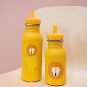 480 milliards, c'est le nombre de bouteilles en plastique vendues dans le monde en 2016, soit près de 180 milliards de plus qu'en 2006.  Un chiffre démentiel qui équivaut à un million de bouteilles par minute.  En France, 25 millions de bouteilles plastique étaient jetées chaque jour en 2018.  L'alternative évidente: les gourdes réutilisables. D'autant que les mairies installent de plus en plus de fontaines d'eau potable. A Toulouse, 193 bornes-fontaines étaient disponibles en 2019. Plusieurs sites les répertorient ici et dans toute la France.  Source: Consoglobe, France info   #zerowaste #gourdeenfant #gourde #toulouse #zerodechet #ecoresponsable