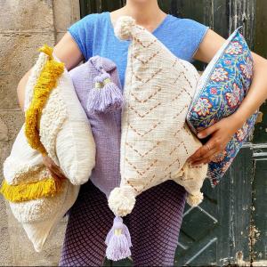 |Maison| On vous attend les bras chargés aujourd'hui!  #coussin #recycledcotton #decointerieur #toulouse #boutiquecreateurs